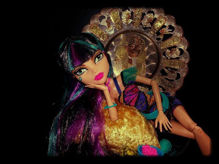 Cleo de Nile Monster High doll