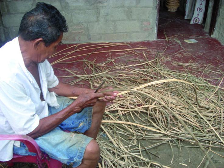 En Galapa y Usiacurí artesanos e investigadores se unen para estudiar las relaciones entre el componente cultural e identitario de la producción artesanal, ligado al desarrollo tecnológico, la responsabilidad ambiental y las lógicas del mercado.