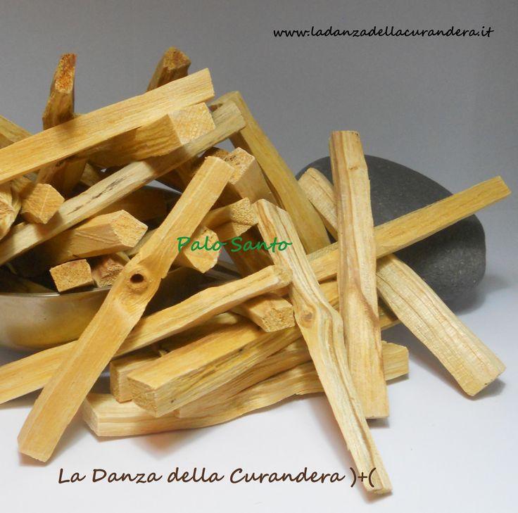 PALO SANTO Palo Santo da bruciare.. >> Formato legnetti << Lotto da N° 7 Legnetti http://www.ladanzadellacurandera.it/misture-miscele-smudge/erbe-legni-resine-singole/