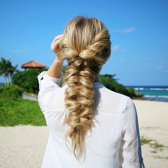 Twisted Topsy Tail Braid ☀️💦🌴 Made it home and already wishing we could go back to Okinawa! 🇯🇵👘 Comment below with a fish 🐠 if you'd love to see a video tutorial for this style! #missysueblog #okinawa #okinawalife