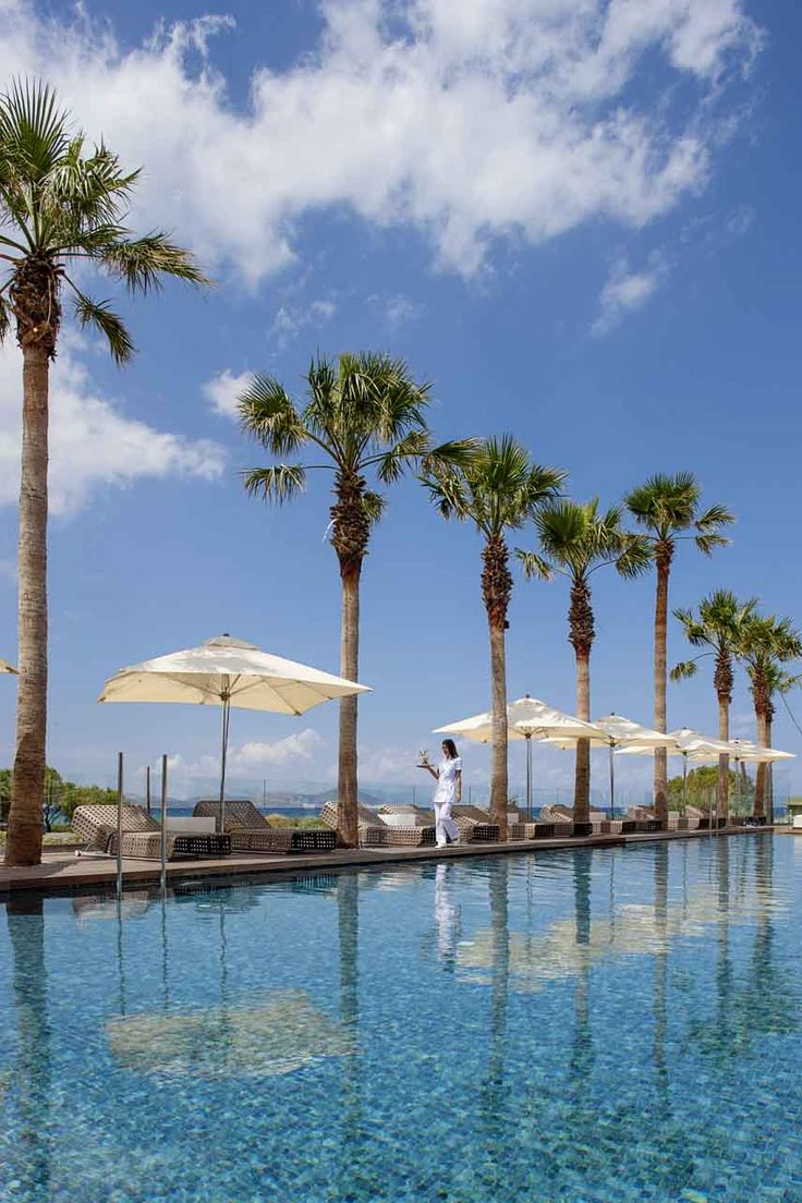 #Summer long weekend at #AquaBlu Boutique #Hotel + #Spa on #Spetses #island. Geometric shapes, minimalism, open spaces, see-through surfaces, clear cut formations and great diversity in materials and colors constitute the best decor on the island and will justify your choice of staying at Aqua Blu. http://www.tresorhotels.com/en/offers/281/kalokairino-long-weekend-sto-aqua-blu-boutique-hotel-spa