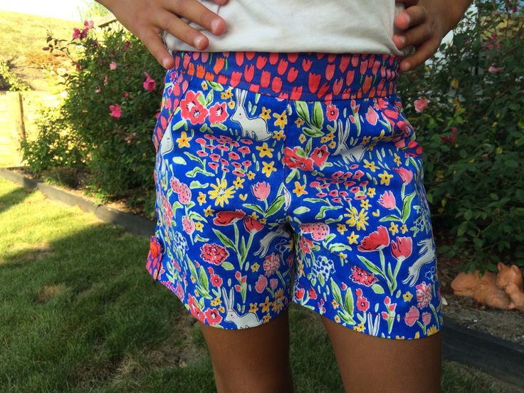 Honeybuns shorts for girls. Love this pattern.