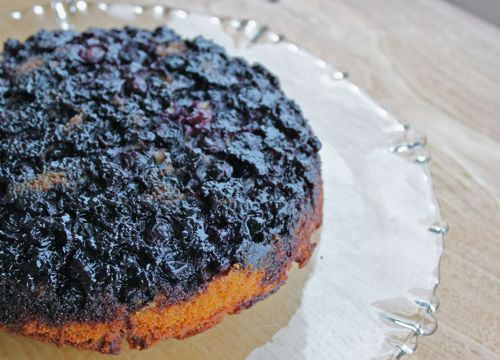 Spiced blueberry upside down cake recipe. >> Here's something fun a...