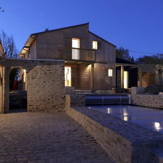 Maison Bio-climatique   Archidesignclub   #pierre #maison #design #architecture
