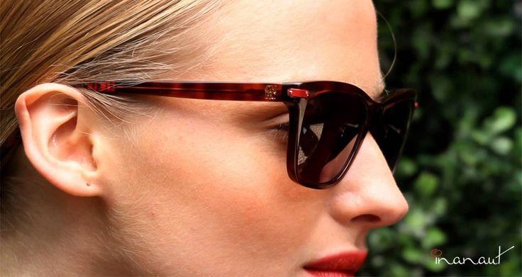 Los lentes de #CarolinaHerrera entre clásico y lo moderno