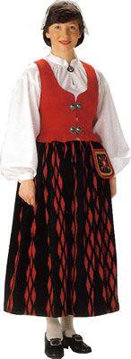 Kurikan naisen kansallispuku. Kuva © Helmi Vuorelma Oy