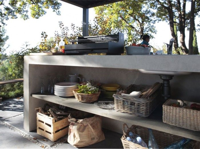 Außenküche aus Beton.