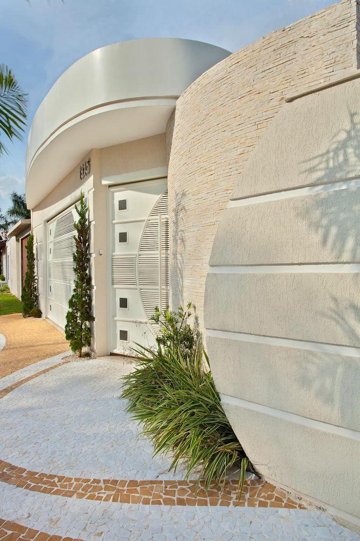 Reforma Casa Ipiranga: Casas modernas por Designer de Interiores e Paisagista Iara Kílaris