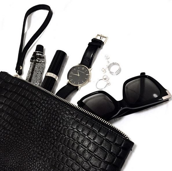 #leather #pouch #croc #embossedleather #flatlay #essentials #dailyessentials #baileynelson #larrsonandjennings #bobbibrown #black #luxe