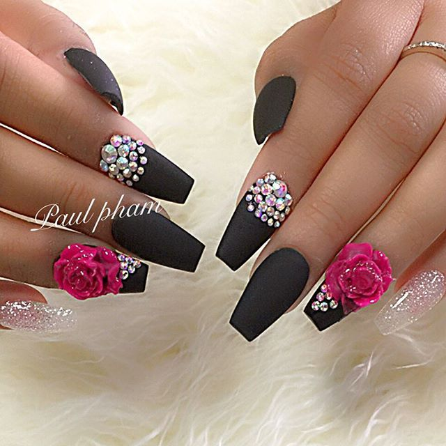 315 best Blingy nails with stones images on Pinterest | Nail ...