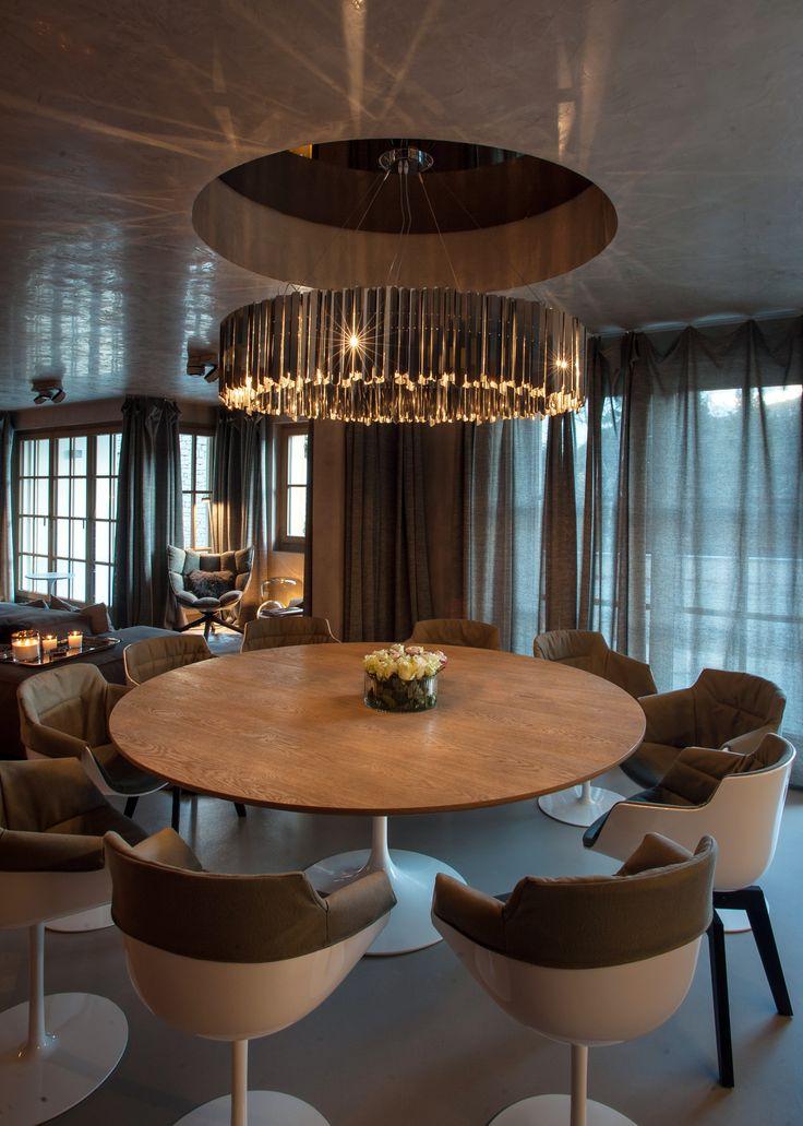 Architects: Ushitamboriello Innenarchitektur & Szenenbild, Sales partner: Colombo la famiglia,   Photo credit: Jochen Splett #diningroom #mdfitalia #diningroomideas #table #chair