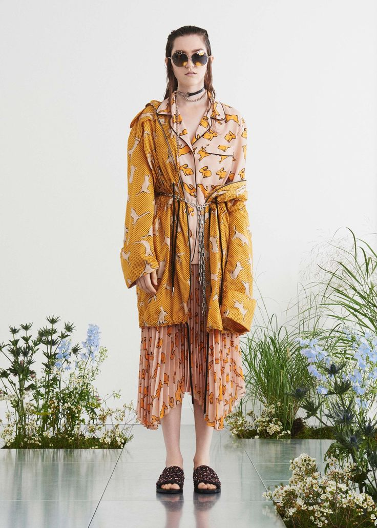 View the complete Markus Lupfer Spring 2017 collection from London Fashion Week.