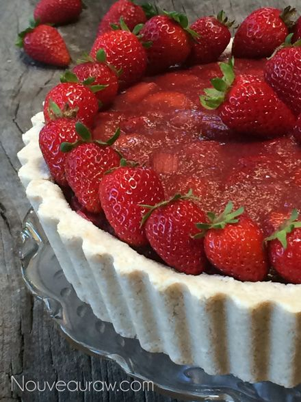 Raw-Ruby-Red-Strawberry-Rhubarb-Cream-Pie9