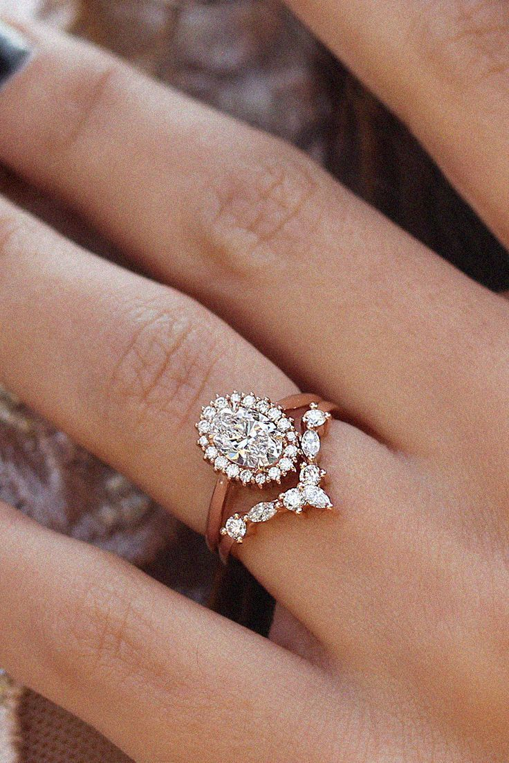 Oval Diamond Halo Unique Engagement Wedding Rings Set Art Deco White Gold Rings For Wo In 2020 Diamond Wedding Bands Vintage Engagement Rings Wedding Rings Engagement