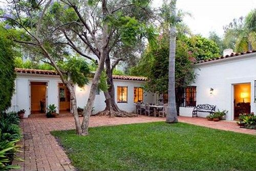 Marilyn Monroe's Brentwood House for Sale: Front of Marilyn Monroe's House