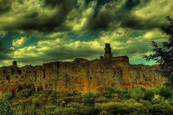 <p>A Itália conta com uma geografia magnífica com mais de 7.600 km de costa, criando lugares inesquecíveis.</p>