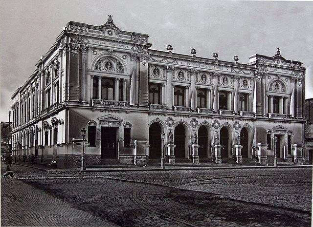 Teatro Victoria 2