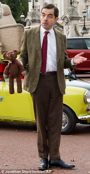 The 25 best mr bean comedy ideas on pinterest mr bean mr bean mr bean heads to buckingham palace atop his iconic lime green mini solutioingenieria Image collections