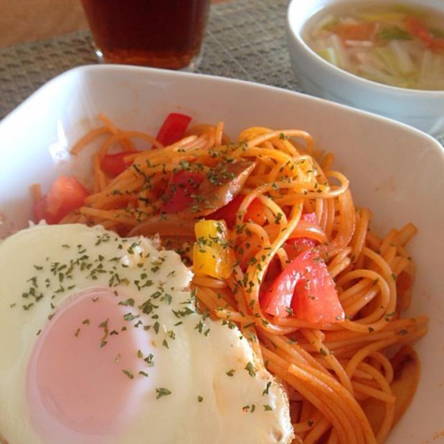 具たくさん野菜スープと一緒に。 - 13件のもぐもぐ - 目玉焼き乗せナポリタン by Sakiko