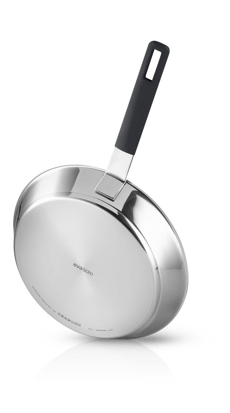 Gravity frying pan 24 cm. by Eva Solo