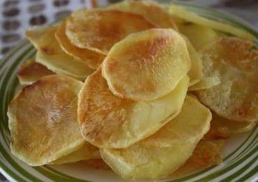 Batata chips de micro-ondas (com molho de maionese temperada ) - Veja a Receita: