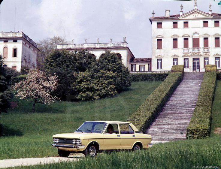 1975. #Fiat 132 GLS at Villa Negri Piovene, #Mussolente (#Vicenza).