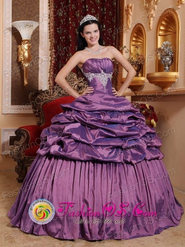 http://www.fashionor.com/Quinceanera-Dresses-For-Spring-2013-c-27.html  Flower print Quince dresses Online on Lincoln's Birthday 2013 free shipping    Flower print Quince dresses Online on Lincoln's Birthday 2013 free shipping    Flower print Quince dresses Online on Lincoln's Birthday 2013 free shipping