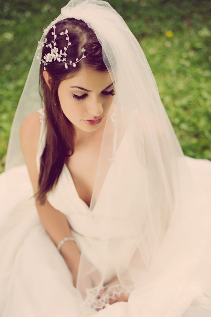 Tremendous 1000 Ideas About Wedding Hairstyles With Veil On Pinterest Short Hairstyles For Black Women Fulllsitofus