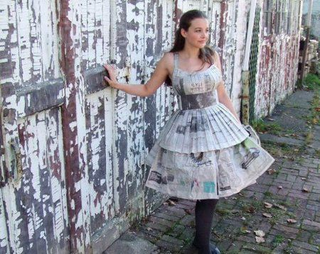vestidos-hechos-con-papel- Paper dress for dry climate :))