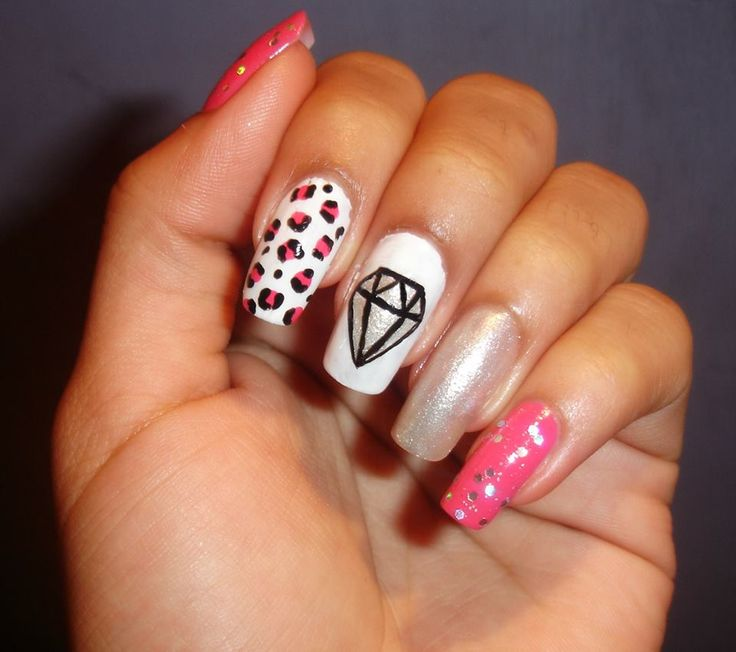 Diseño super facil de realizar, me gustaria que lo compartieran y asi subo mas diseños hechos por mi besos #Diamantes #Diamonds