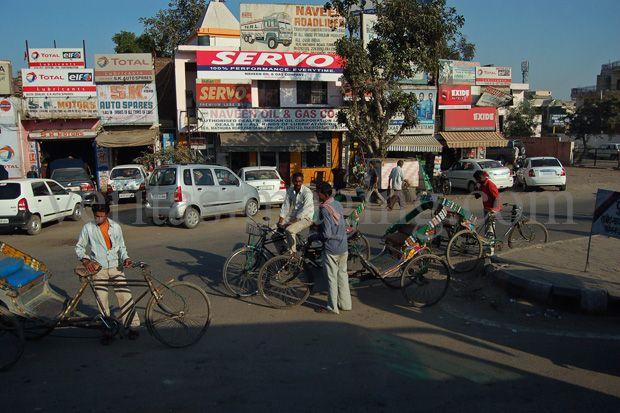 India-street-scene