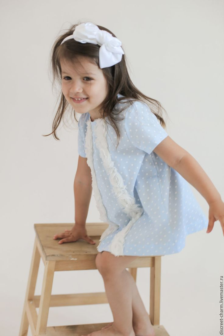 Купить Хлопковое детское платье, голубое в белый горох, с кружевными лентами - платье для девочки