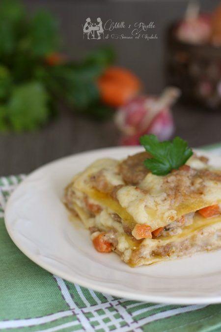 Adoriamo le lasagne e in questo ho usato un abbinamento in cui sono sicura della riuscita.... Un piatto invernale da forno, che di certo non dispiace