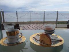 函館湾を眺めながら食事ができるカフェバー ラミネールは一度は行って欲しいカフェ 映画やGLAYのプロモーションビデオにも登場する有名店です 壺焼ききのこパイやピロシキなどロシア料理も好評 tags[北海道]