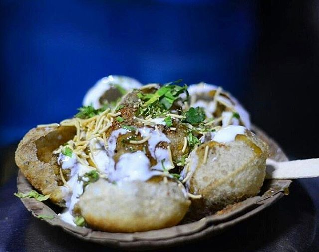 Today's top pick of @trellingkolkata . . Chaat😍 Picture Courtesy :- @foodzpah . . Use #trellingkolkata to get featured!  Tryout Trell App to discover new things in the city and connect with a global community of explorers, travelers, photographers and foodies! Download it from trellapp.com