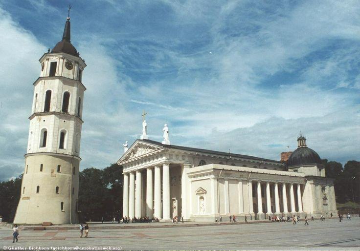 wileńska katedra św. Stanisława po katastrofie budowlanej odnowiona w klasycznym ujęciu przez Wawrzyńca Gucewicza na przełomie wieków