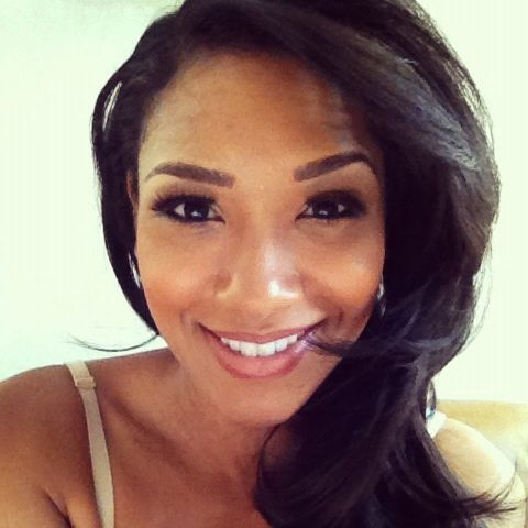 Candice Patton - she is so gorgeous and her makeup is lovely
