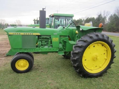 John Deere 2520 Diesel - ONLINE & LIVE AUCTION - Saturday, December 6, 2014 @ Noon Central. Mequon (North Milwaukee), WI.