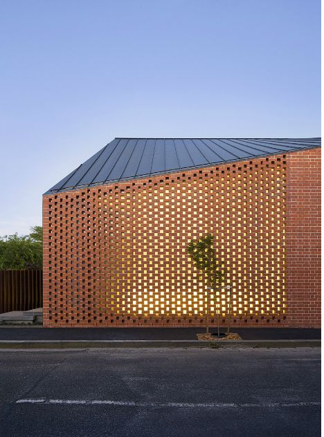 Brick Screen - Harold St Residence by Jackson Clements Burrows