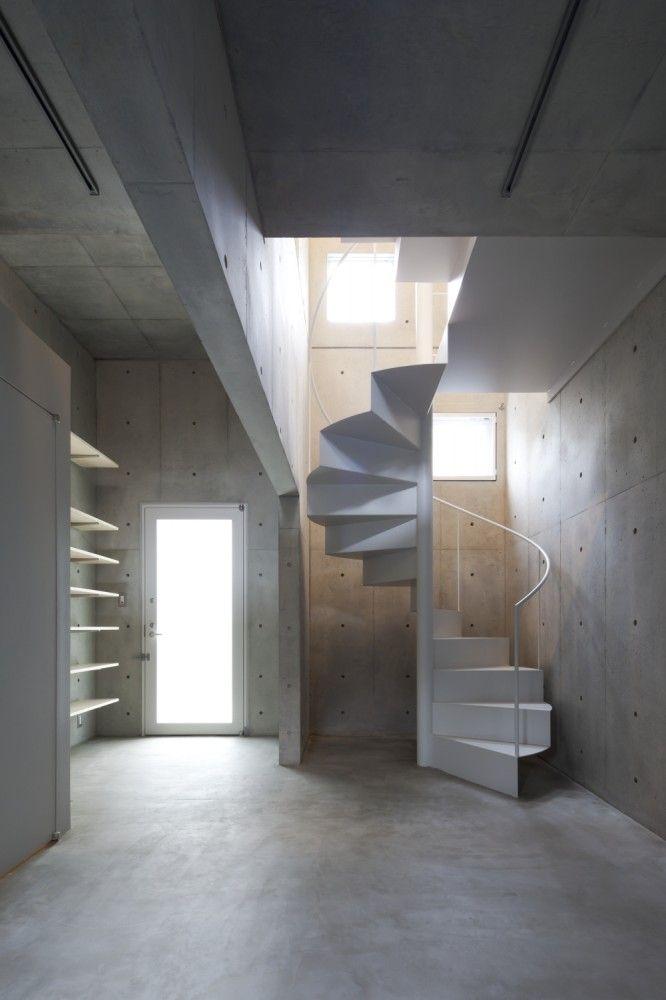 kap - tokyo japan - komada architects' office - photo by toshihiro sobajima [spiral stair]