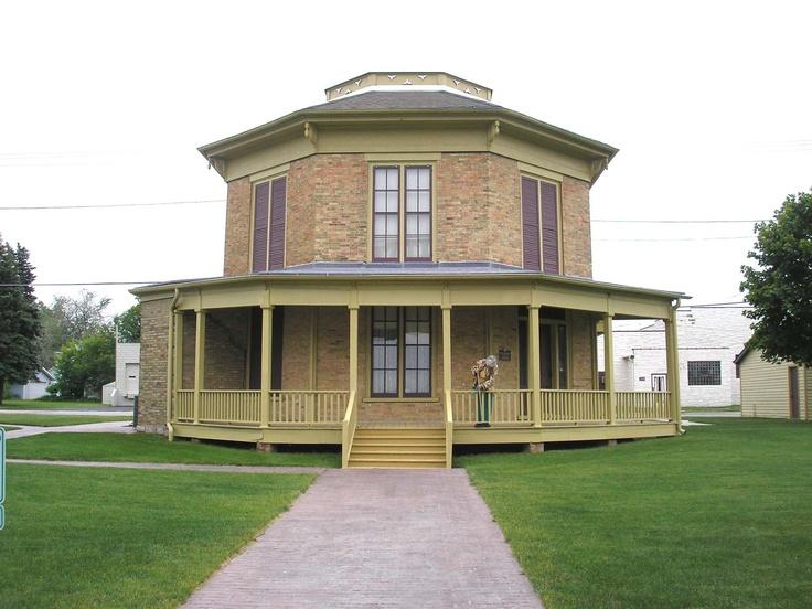 47 best images about octagon houaes on pinterest cottage for Octagonal log cabin plans