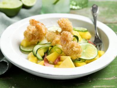 Gefrituurde scampi's met komkommer-mangosalsa