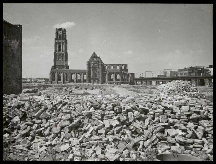 Rotterdam plat gebombardeerd