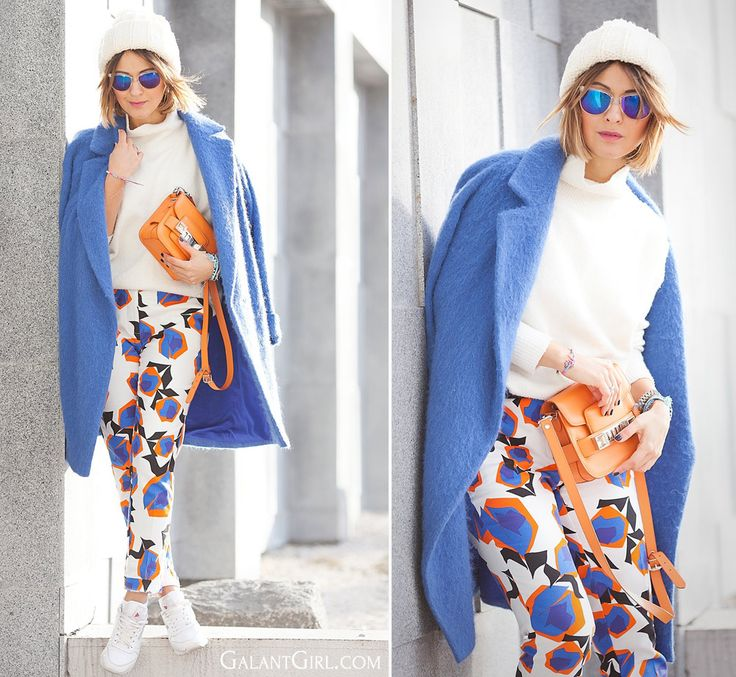 prinyed-trousers-and-blue-coat-outfit-for-winter