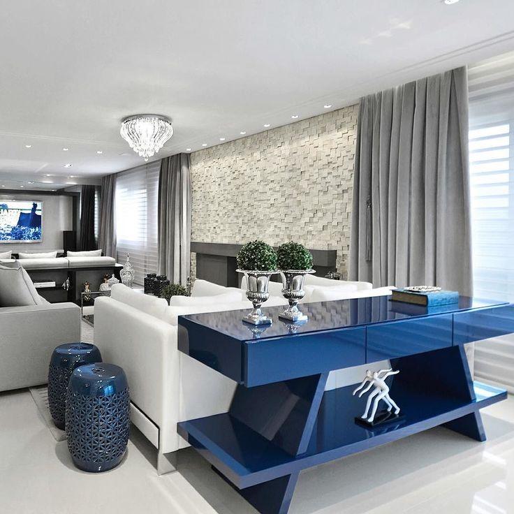 Living charmoso! Destaque para aparador azul em laca auto brilho. #living #homedecor #interiordesign #arquiteturadeinteriores #arquilovers #instagood #instadecor #home #a4_arquitetura #laca #contemporaneo #saladeestar #móveis #instadesign #architecture #decoration #decoração by a4_arquitetura