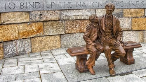 Abraham Lincoln Statue – Friday's Free Daily Jigsaw Puzzle