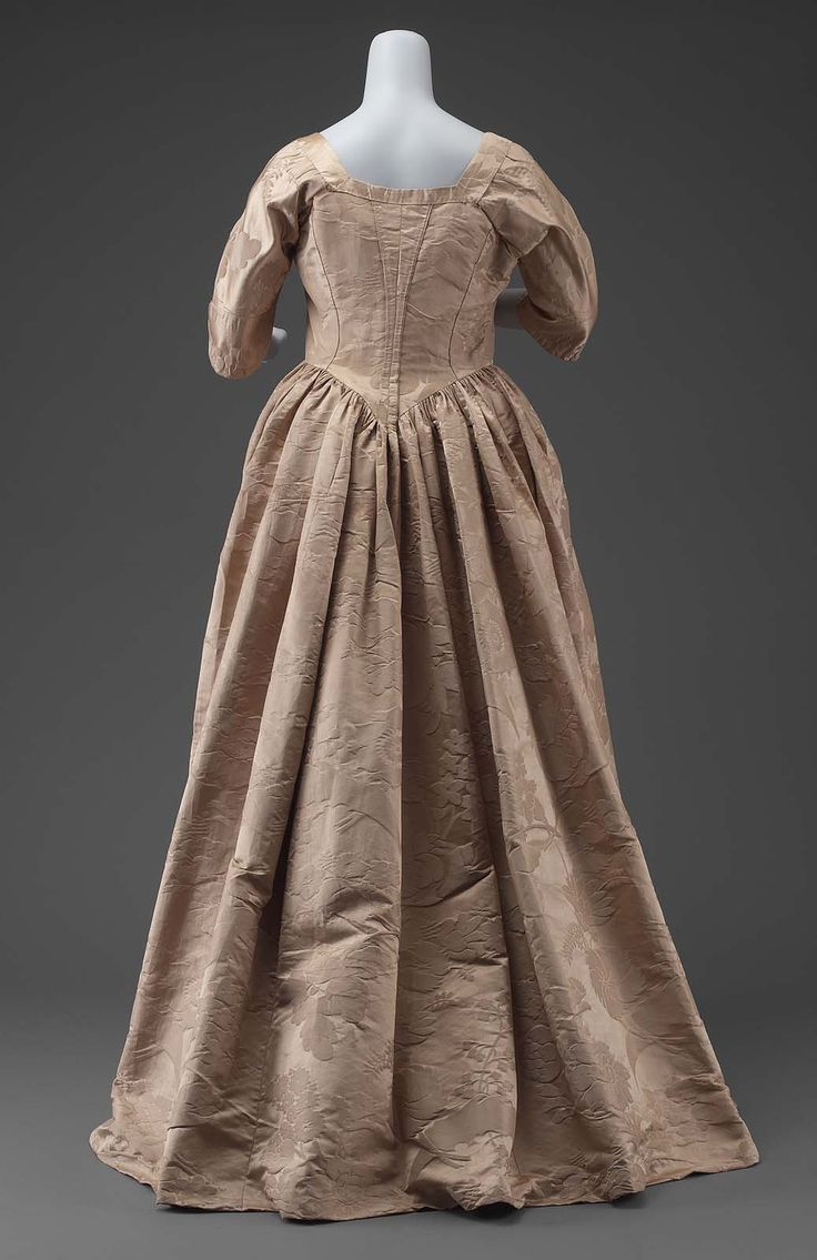 Dress and petticoat (dress), second quarter of 18th century, accession number 50.494, Museum of Fine Arts, Boston.
