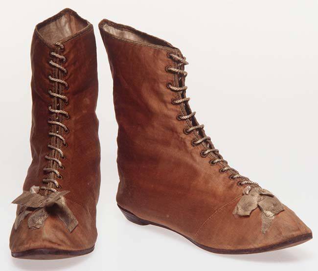 Convict womens ankle boots