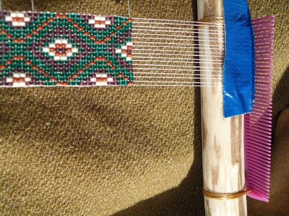 diy loom!! it's just a comb how creative