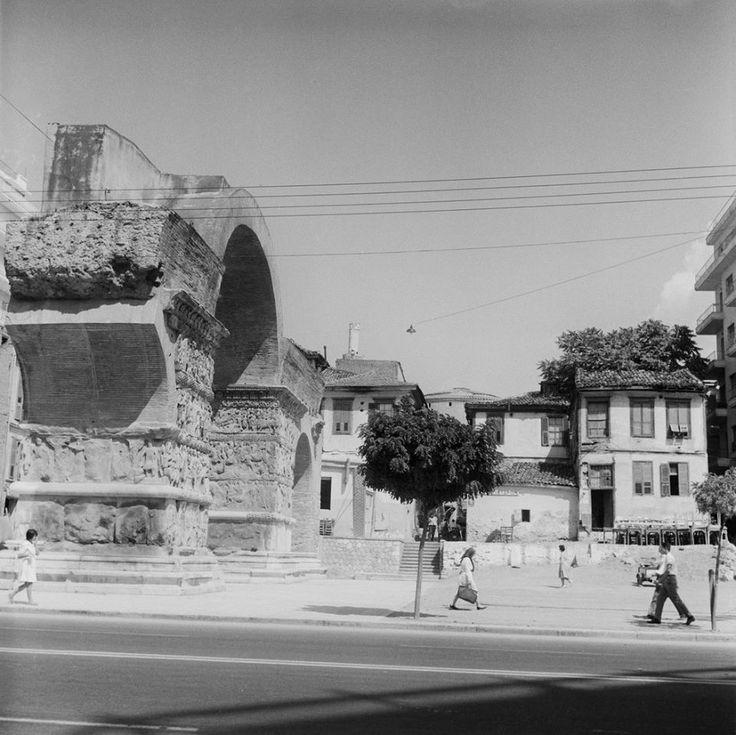 Walter Schröder Θεσσαλονίκη, άποψη της Πύλης του Γαλέριου 1950-1970